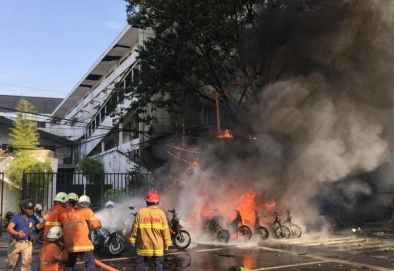 В Индонезии произошел взрыв у полицейского участка