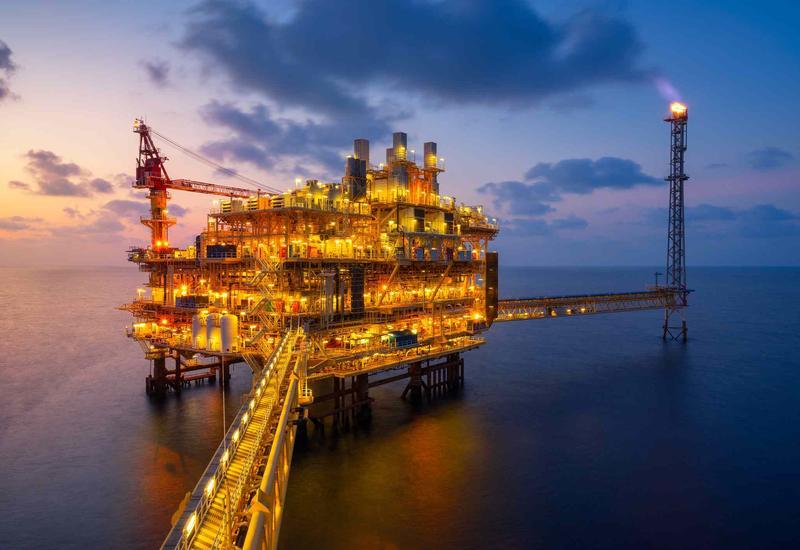 Нефть продолжает расти после выхода данных о запасах
