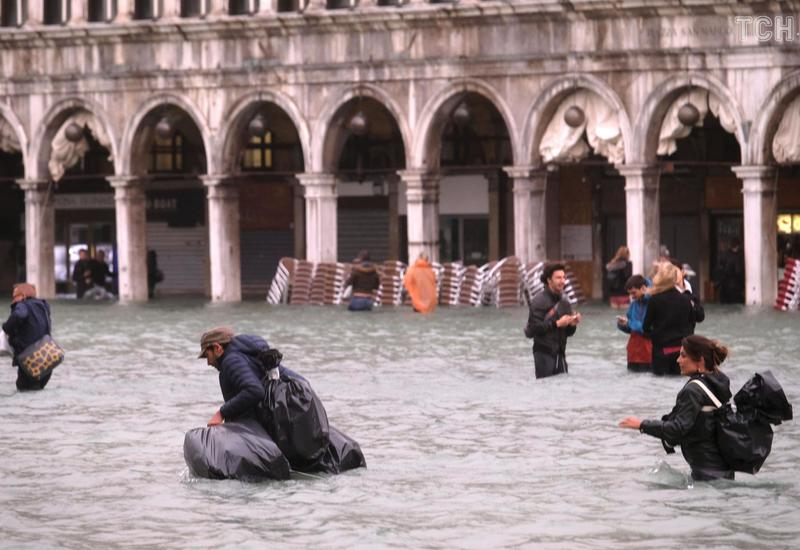 В Венеции введен режим ЧП