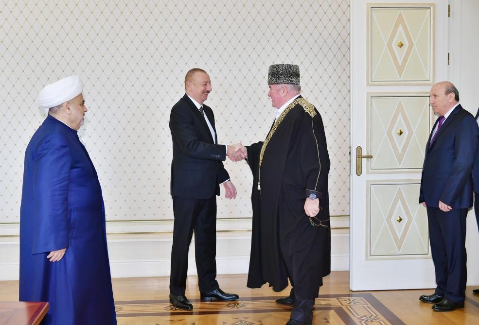 Президент Ильхам Алиев принял делегацию в составе группы мусульманских религиозных деятелей из северокавказских республик России