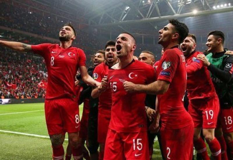 Турция сыграла вничью с Исландией и вышла на Евро