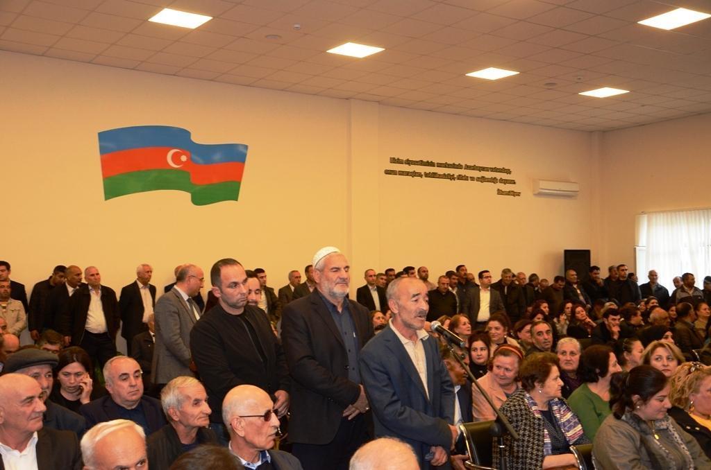 Решаются проблемы жителей ряда районов Баку