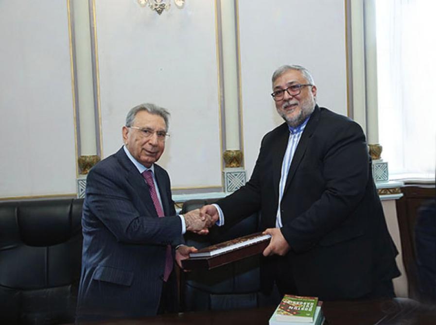 Рамиз Мехтиев: Ученые Ирана и Азербайджана должны осуществлять совместную деятельность для выявления исторических реалий