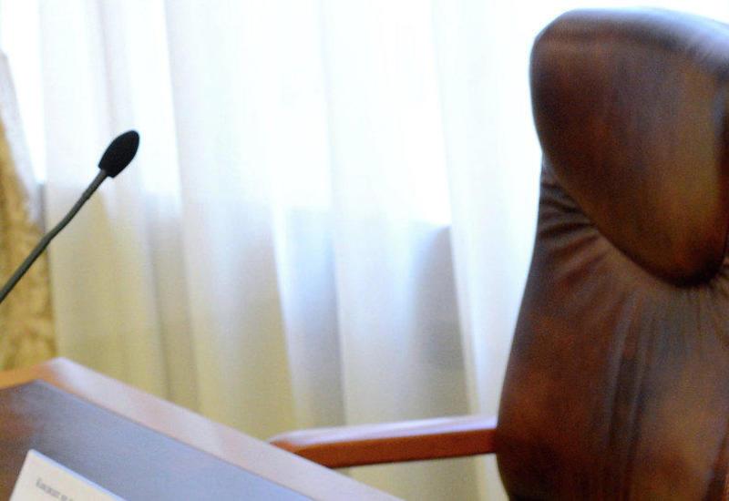 İcra hakimiyyəti başçısının 1-ci müavini vəzifəsindən azad edildi