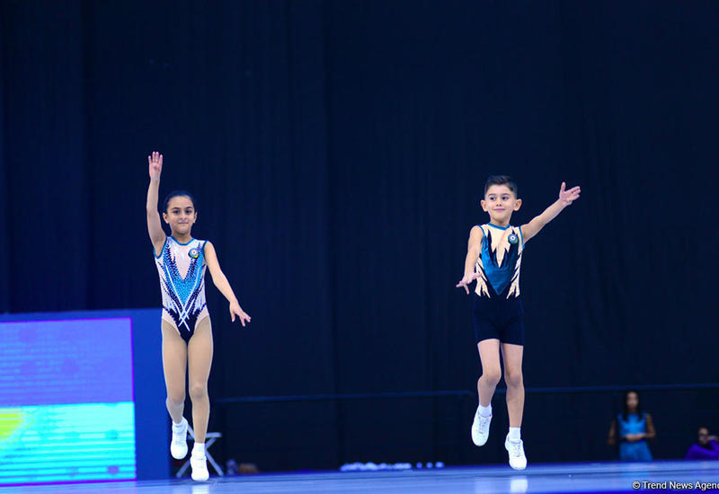 В Сумгайыте проходят соревнования Чемпионатов Азербайджана по акробатической и аэробной гимнастике