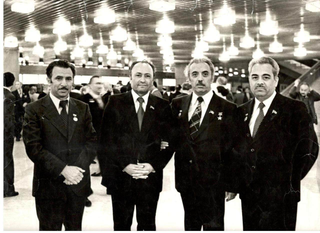 К 90-летию со дня рождения Акрама Мамед-Эмин оглу Шекинского