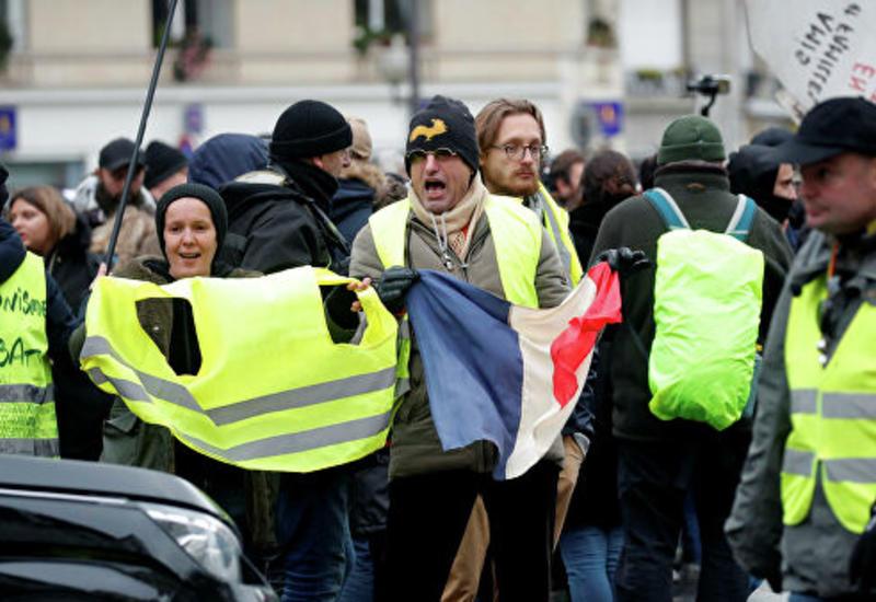 """Во Франции в ходе протестов """"желтых жилетов"""" задержали более 260 человек"""