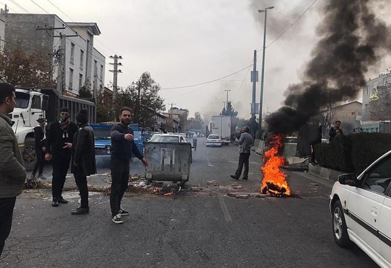 В Иране протестуют против повышения цен на бензин