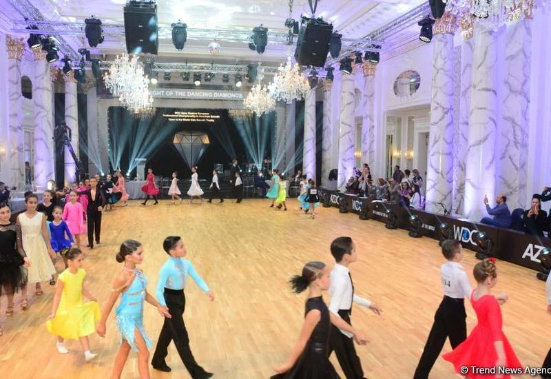 """В Баку проходит """"Вечер """"Танцующих бриллиантов"""""""""""