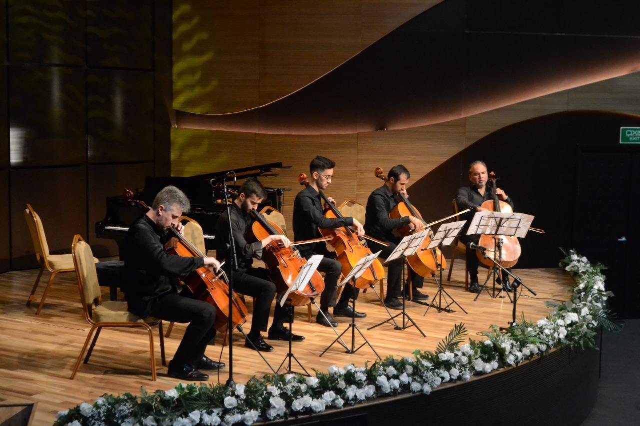 В Центре мугама прошел прекрасный концерт, посвященный народному артисту Расиму Абдуллаеву
