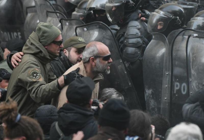 Грузинская оппозиция продолжит протесты