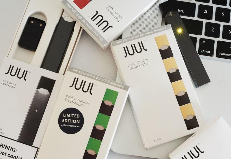 На крупнейшего в США производителя электронных сигарет подали в суд