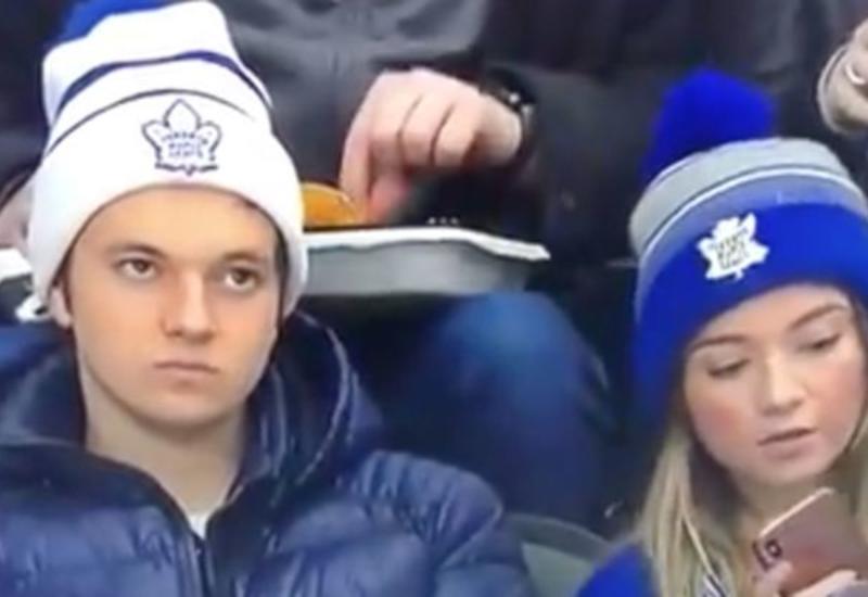 Реакция фаната на селфи после поражения любимой команды разошлась на мемы