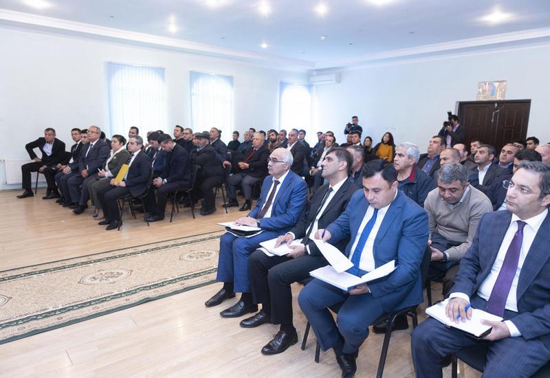 При участии Агентства по развитию МСБ Азербайджана состоялась встреча с владельцами тепличных хозяйств