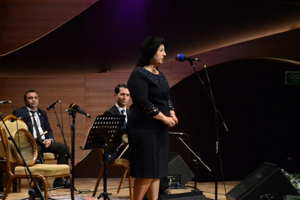 В центре мугама прошел творческий вечер знаменитого исполнителя на таре Экрема Мамедли