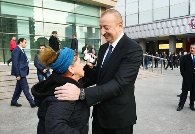 Президент Ильхам Алиев решил кредитную проблему жительницы Баку