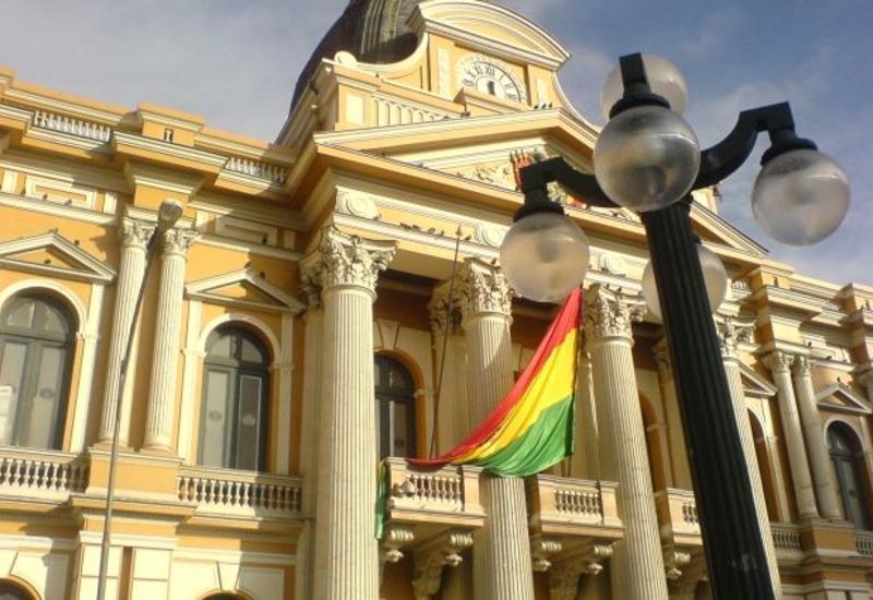 Власти Боливии разрешили дочери Эво Моралеса покинуть страну