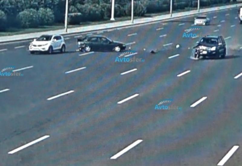 Авария на аэропортовской дороге: Prado врезался в Opel