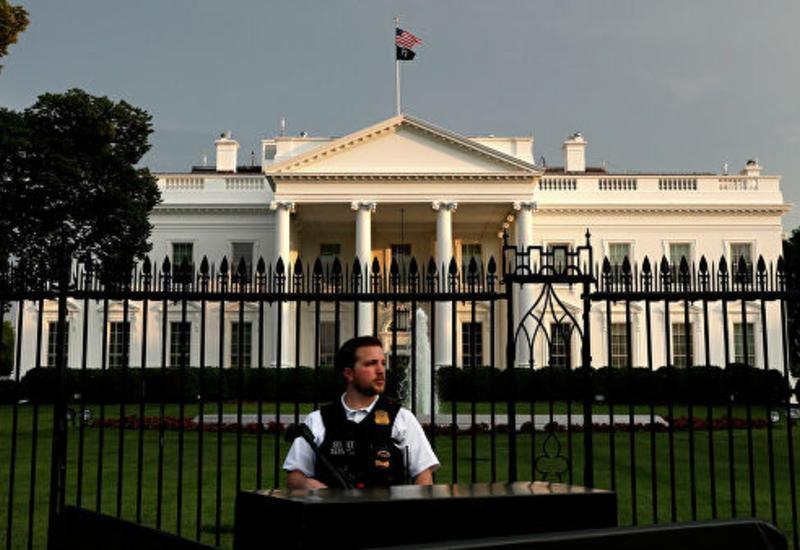 В США неизвестный пытался въехать на машине на территорию Белого дома