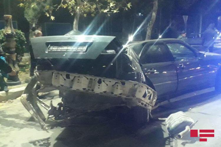 Тяжелое ДТП в Гяндже: Mercedes разорвало на части