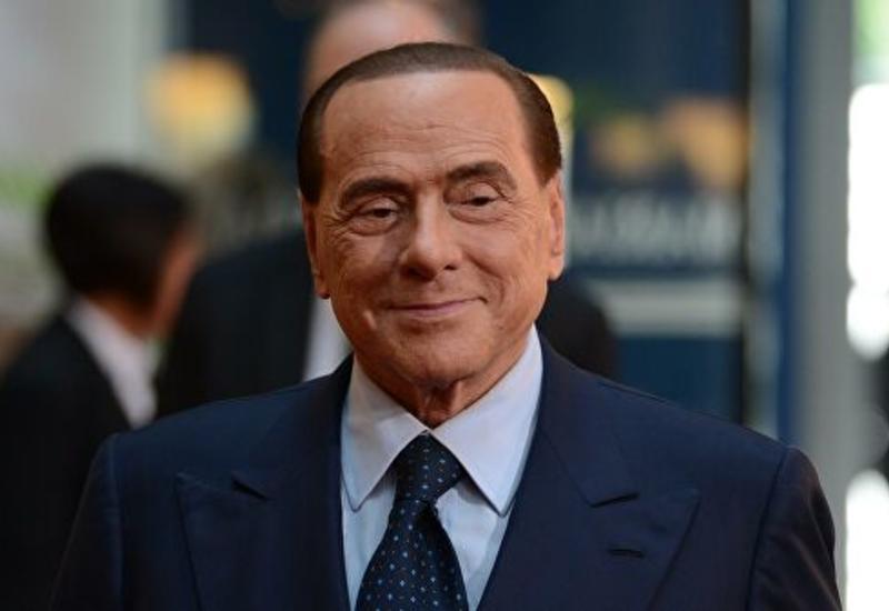 Сильвио Берлускони попал в больницу