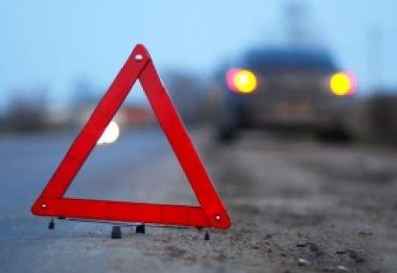 Тяжелое ДТП в Баку, есть погибшие и пострадавшие