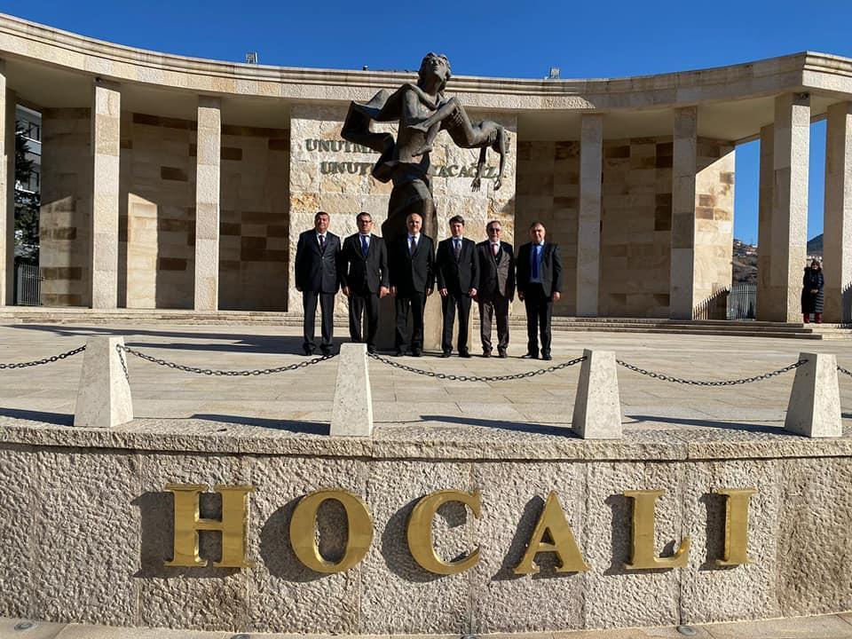 Глава Азербайджанской общины Нагорного Карабаха посетил памятники Ходжалы в Анкаре