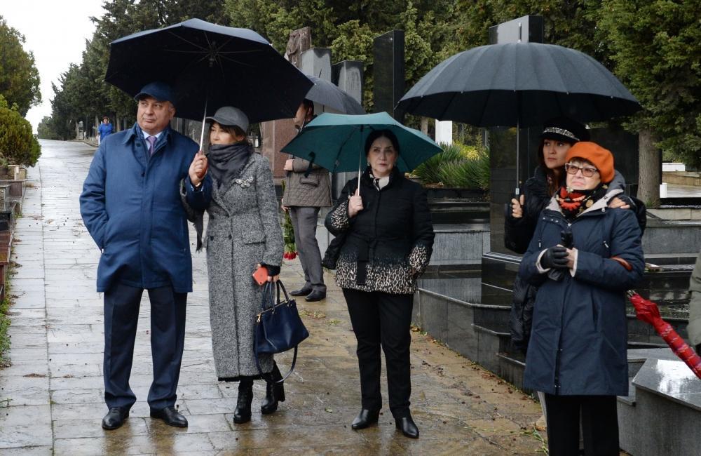 В Баку почтили память видного кинорежиссера Расима Оджагова
