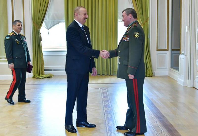 Президент Ильхам Алиев принял делегацию во главе с начальником Генштаба Вооружённых сил России