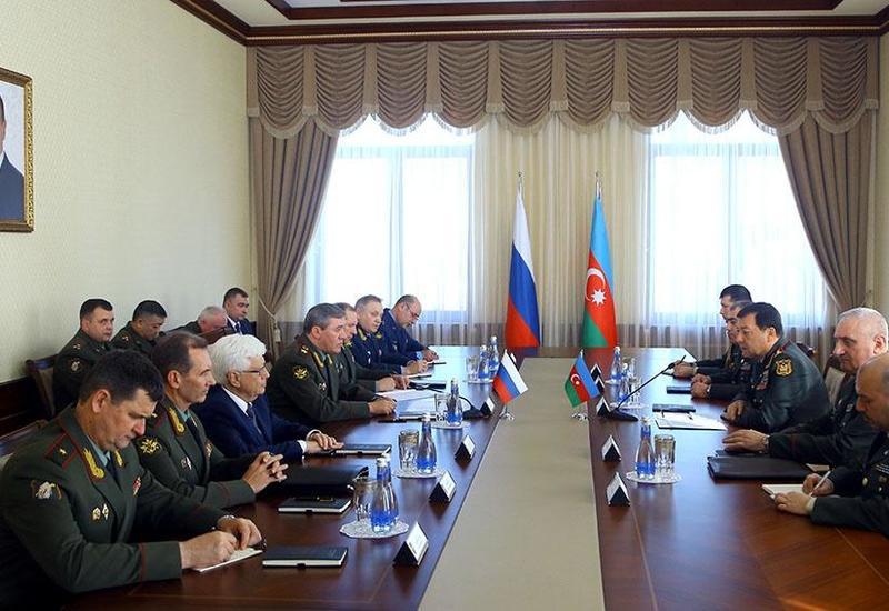 В Баку прошла встреча начальников Генштабов ВС Азербайджана и России