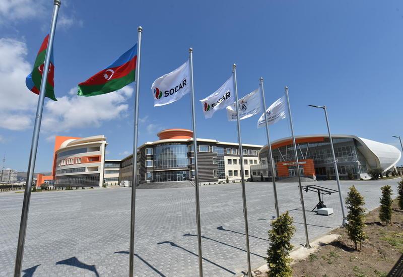 Бакинской Высшей школе нефти – восемь лет