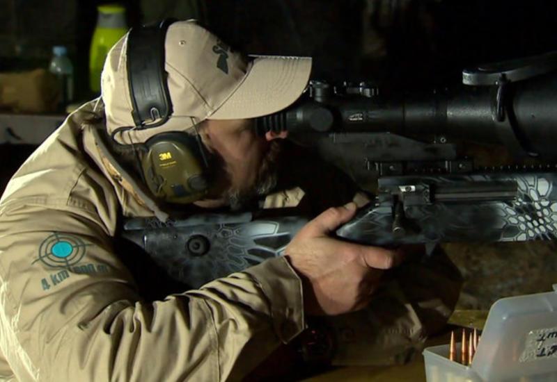 Снайпер попал в цель с двух километров в кромешной тьме