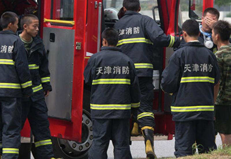 В Китае загорелась жилая высотка