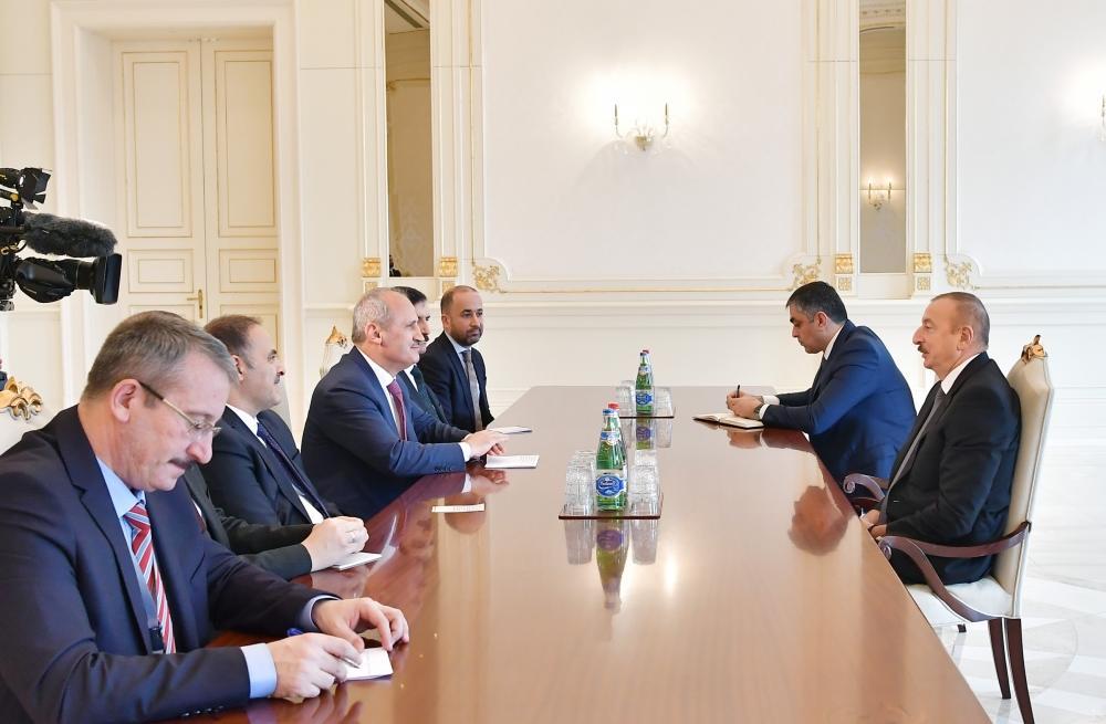 Президент Ильхам Алиев принял делегацию во главе с министром транспорта и инфраструктуры Турции