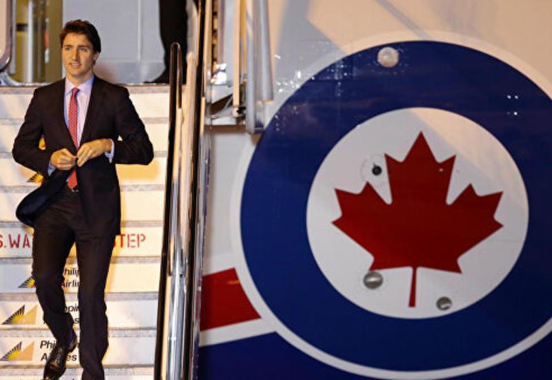 Самолет премьера Канады врезался в ангар