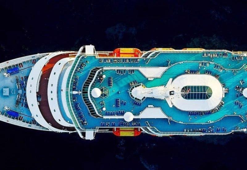 Завораживающие фотографии круизных судов сверху