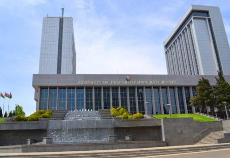 Классика и модерн: как строили здание парламента Азербайджана