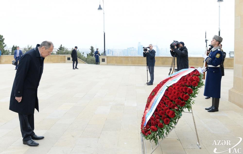 Сергей Лавров посетил могилу великого лидера Гейдара Алиева и Шехидляр хиябаны