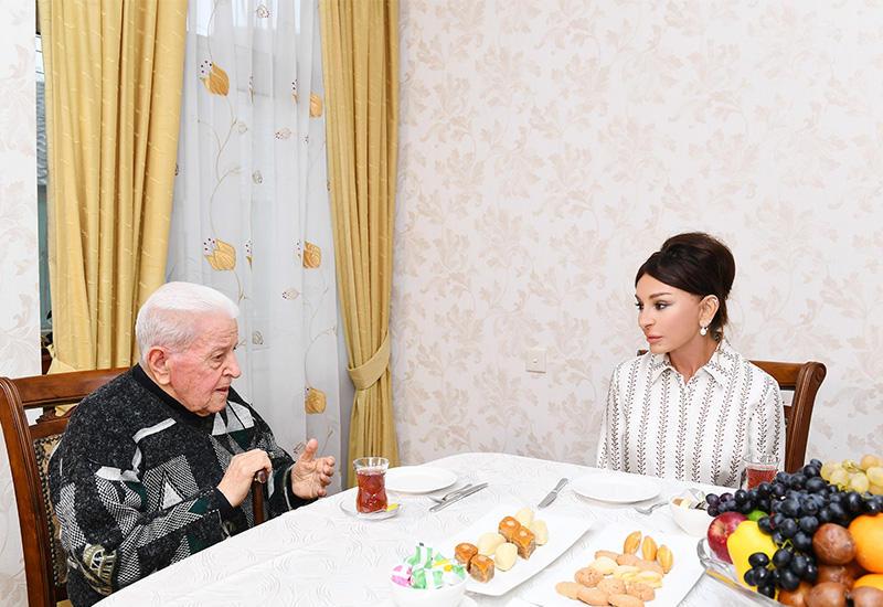Первый вице-президент Мехрибан Алиева побывала в гостях у народного артиста Алибабы Мамедова