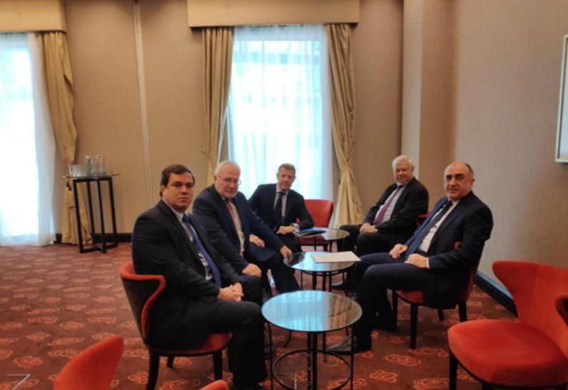 Эльмар Мамедъяров на переговорах с сопредседателями МГ ОБСЕ