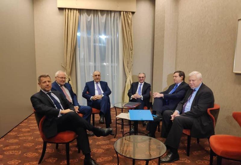 Главы МИД Азербайджана и Армении встретились в Братиславе