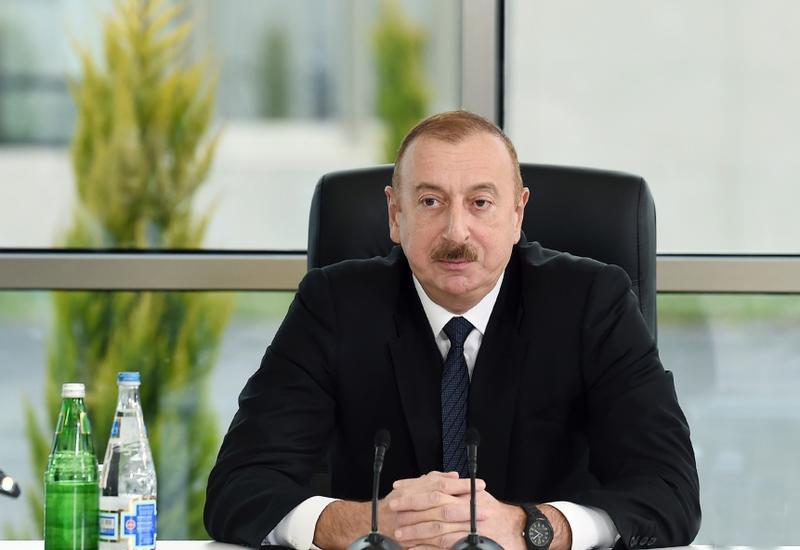 Президент Ильхам Алиев: Надеюсь, что молодежь очень активно включится во внеочередные парламентские выборы