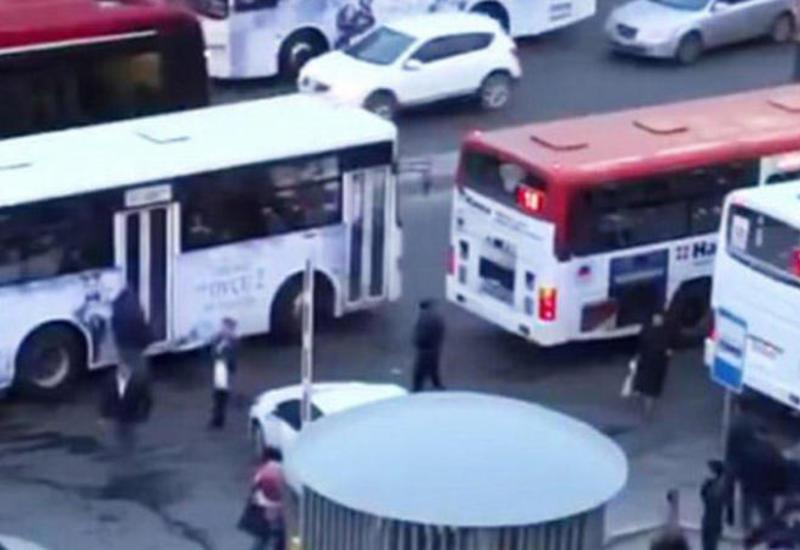 В 10 городах и районах Азербайджана по выходным не будет работать общественный транспорт