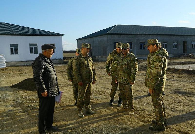 Закир Гасанов на строящихся военных объектах в прифронтовой зоне