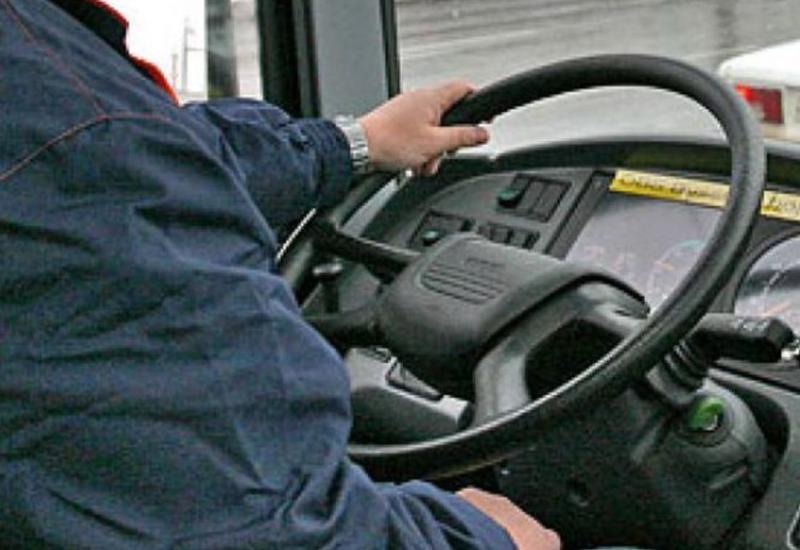 В Хырдалане автобус сбил маленького мальчика