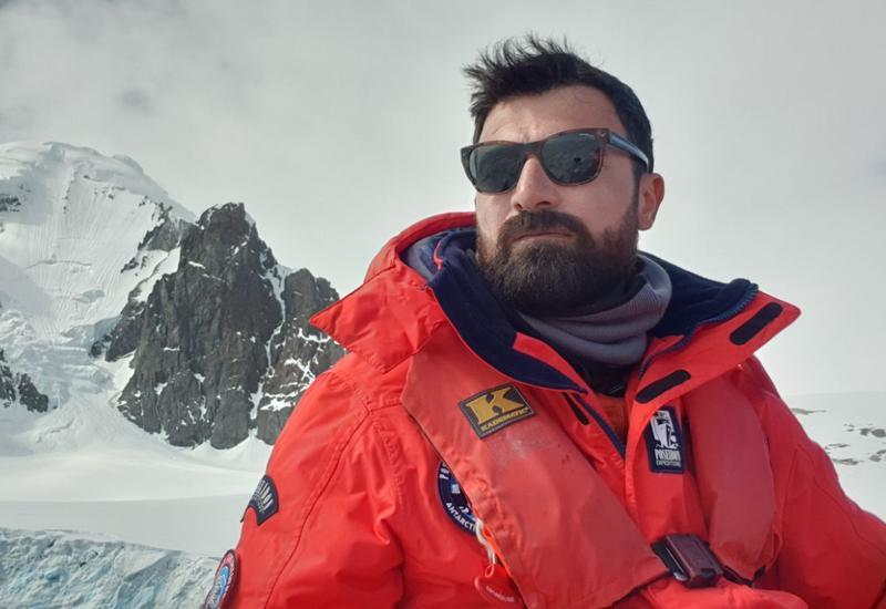 Автор бестселлеров Ровшан Абдуллаоглу на этот раз в стране ледников - в Антарктиде