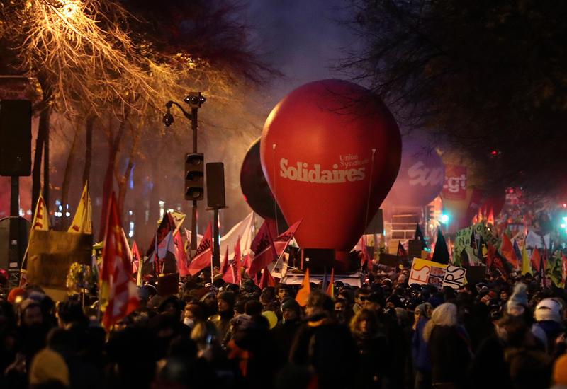 1,5 млн человек участвуют в демонстрациях во Франции