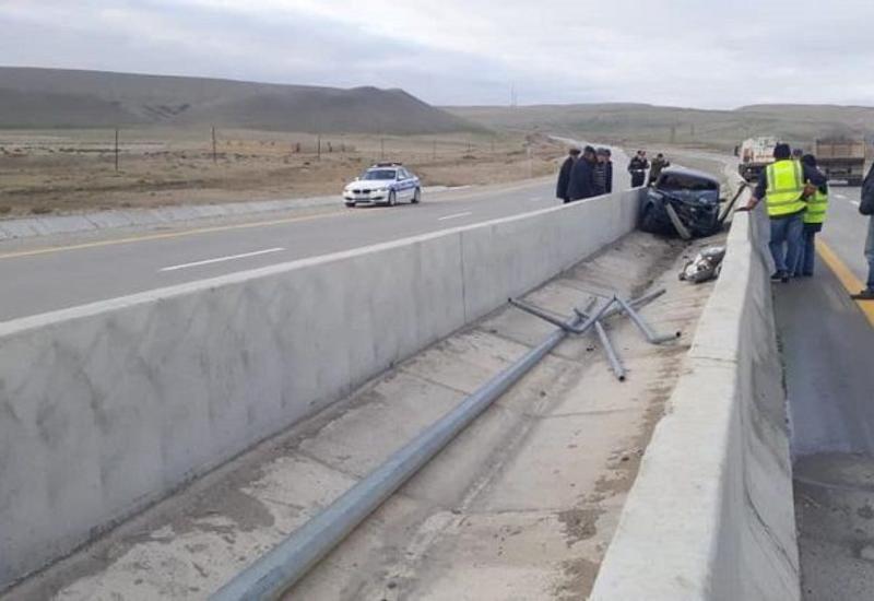 На дороге Баку-Шамахы-Евлах произошло ДТП