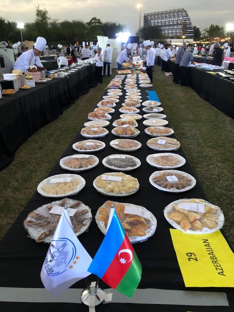 Столица ОАЭ вошла в Книгу рекордов Гиннеса благодаря азербайджанским сладостям
