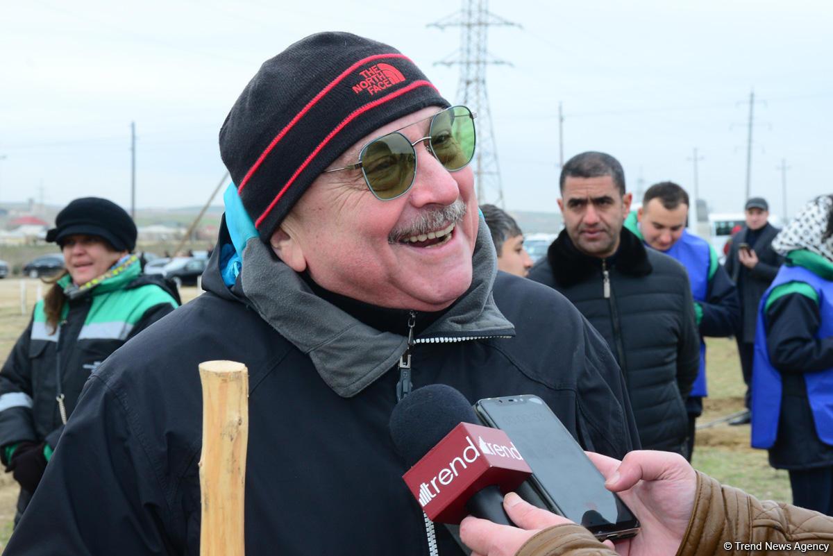 Народный артист Азербайджана Александр Шаровский: Впервые в жизни посадил дерево